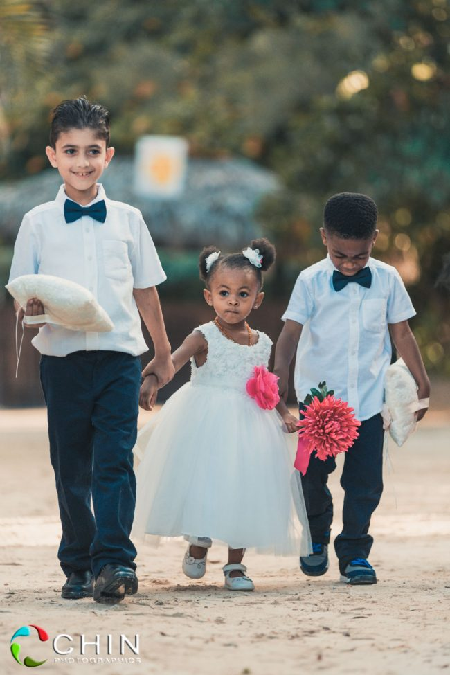 Cute ring bearers and flower girl