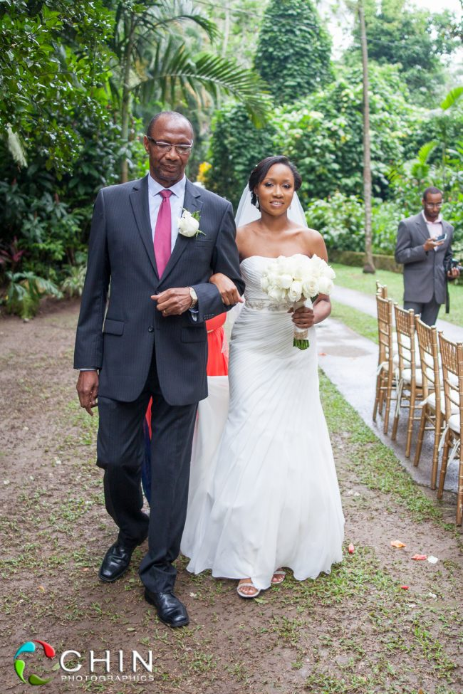 Bride and Father arrives Boone Hall Wedding