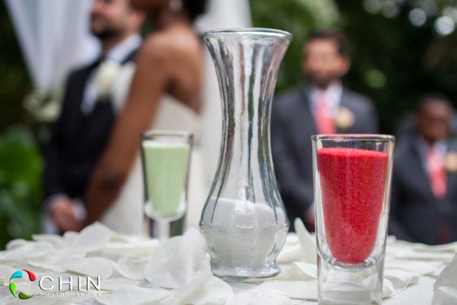 The sand ceremony vases