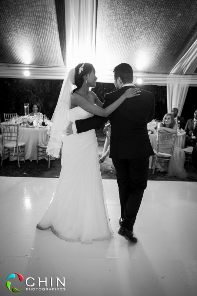 Boone Hall Oasis Wedding First Dance