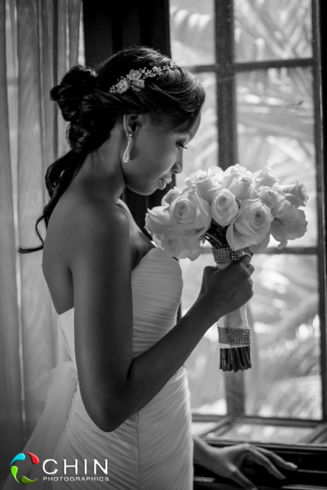 Boone Hall Oasis Wedding Bride and Bouquet