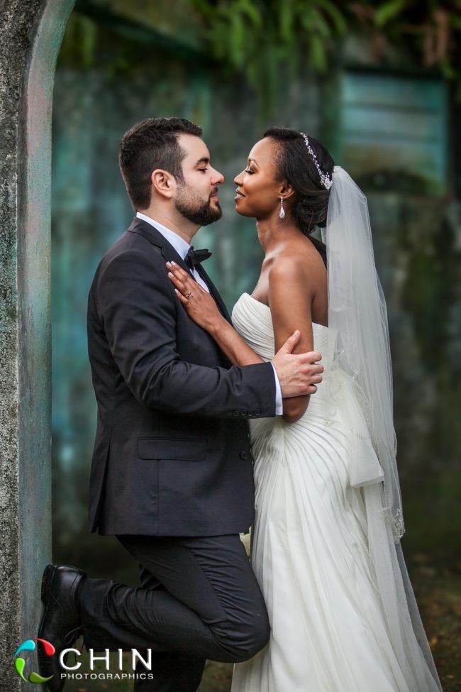 Boone Hall Oasis Wedding Couple