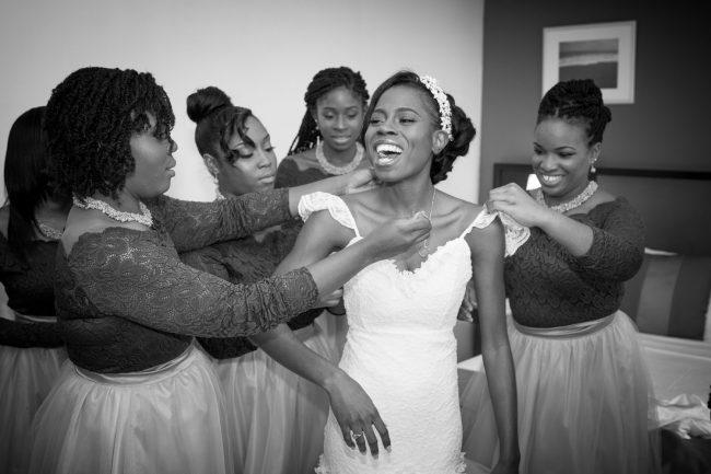 bride-getting-dressed-spanish-curt-wedding