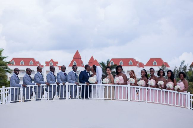 large-bridal-party-photos-bahia-principe