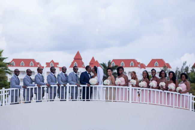 large-bridal-party-photos-bahia-principe